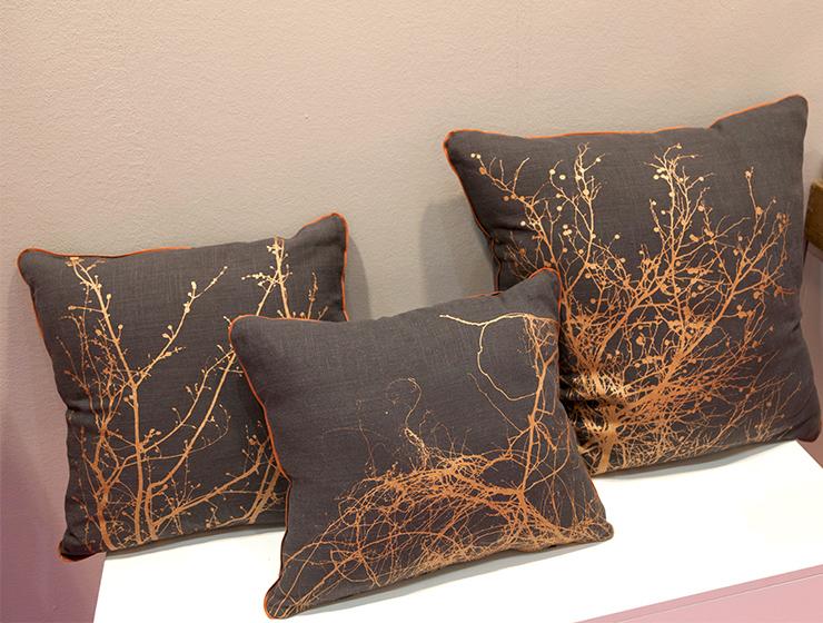 kissen setz dich clavo design online shop clavo design. Black Bedroom Furniture Sets. Home Design Ideas